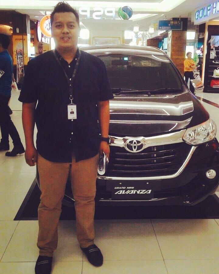 Sales Marketing Mobil Dealer Toyota Palembang Aang
