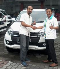 Sales Marketing Mobil Dealer Daihatsu Garut Teddy Ahmad